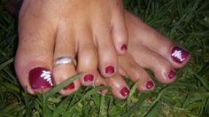 Christmas tree toe nails