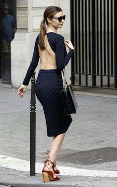 Miranda Kerr in Paris. September - Miranda Kerr in Paris. Estilo Miranda Kerr, Miranda Kerr Style, Cutout Dress, Mode Outfits, Fashion News, Style Fashion, Nice Dresses, Celebrity Style, My Style