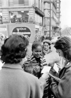 Actress Marpessa Dawn, Paris, Jan 1, 1960 Marpessa Dawn, Black Orpheus, Italian Men, Classic Beauty, Black Is Beautiful, Woman Face, Black Girl Magic, Black History, Vintage Photos
