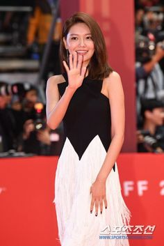 Sooyoung - Busan International Film Festival, Red Carpet by Press Sooyoung, Yoona, Snsd, International Film Festival, Girls Generation, Yuri, Red Carpet, Formal Dresses, Busan