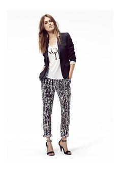 Vêtements de marque femme IKKS : veste noire et pantalon imprimé