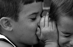 I BAMBINI ASCOLTANO E RIPETONO, SEMPRE  http://genitori-stressati.blogspot.it/