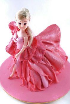 Barbie doll runway theme fondant cake - Cake by juddyoh