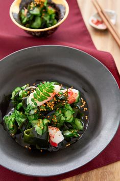 With crunchy cucumber and an oil-free sweet and sour dressing, sunomono is a quick Japanese salad made from just a handful of ingredients.