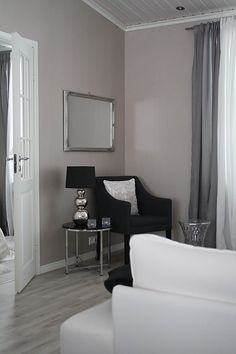Pentik, Rondo valaisin Scandinavian Interiors, Beautiful Interiors, My Dream Home, Oversized Mirror, Contrast, Projects, Living Room, My Dream House, Scandinavian Home Interiors
