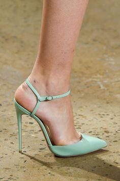 203 fantastiche immagini in Moda su Scarpe Donna su Moda Pinterest nel   d49f9d