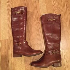 Tory Burch Boots 5.5 size Brand new wore one time. I'm not a huge TB fan so that's why I am selling. Nothing is wrong with the boots. Stellar condition. Zipper glides with ease. No water stains or any flaws. Motivated seller Tory Burch Shoes Over the Knee Boots