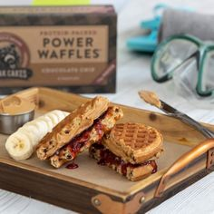 Peanut Butter Banana Nut Muffins are a delicious snack your family will love. They're also made with Kodiak Cakes Peanut Butter Power Cakes to make each muffin a protein-packed treat. Chocolate Oatmeal, Mini Chocolate Chips, Chocolate Chip Cookies, Waffle Cake, Waffle Mix, Banana Nut Muffins, Banana Bread, Kodiak Cakes, Filling Snacks