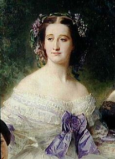 Eugenia de Montijo reveló una predilección por la ropa fina, à-la-mode y tomaba su vestuario muy en serio. Para los historiadores, el nombre de Eugenia está indisolublemente unido a la historia de la moda. Con sus hermosos ojos azules, cabello pelirrojo, tez perfecta, y pies pequeños, la andaluza fue un icono de la moda en Francia en la segunda mitad del siglo XIX, al punto que las señoras copiaban sus peinados y hasta se teñían el pelo de rojo.