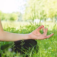Emerson Villela Carvalho Jr., M.D.: Health Signs in Hands