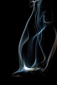 Colheres quentes 45 A série Colheres Quentes, é um ensaio onde a fumaça saindo da colher, é fotografada em altíssiama velocidade (1/40.000). As formas e a nitidez conseguidas, mostram uma rara beleza. Essa série foi originalmente criada, para decorar espaços gourmet. (Aconselho seu uso em jogos de duas ou três telas e no tamanho de 20x30). #marcoscastrofotografia, #decoração, #decor, #fineart, #fotografia, #cozinha, Kitchens, #Art