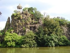 My eyes are in love! Parc des Buttes-Chaumont in Paris. @Ally Anna We are going here!