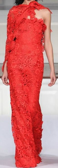 Oscar de la Renta Pre-Fall 2011 Fashion Show - Hind Sahli Red Wedding Gowns, Red Gowns, Lanvin, Balenciaga, Red Fashion, Runway Fashion, Fashion Show, Elizabeth Arden, Glamour