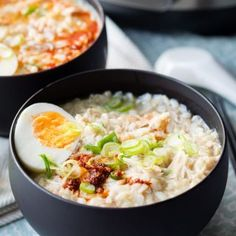 Easy Recipe for Instant Pot Congee. This is a chicken and rice porridge that is a real comfort food. Make this easy recipe for a Chinese meal. Great for breakfast but hearty enough for lunch and dinner. Get the recipe on The Worktop. Best Sausage, Sausage And Egg, Brunch Recipes, Cake Recipes, Snack Recipes, Pregnancy Breakfast, Breakfast Egg Casserole, Cream Cheese Pancakes, Pumpkin Breakfast