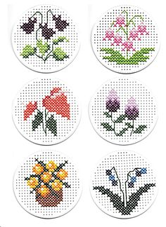 Celtic Cross Stitch, Small Cross Stitch, Cross Stitch Cards, Cross Stitch Flowers, Cross Stitch Designs, Cross Stitching, Cross Stitch Embroidery, Cross Stitch Patterns, Pixel Pattern