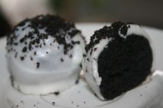SusieQTpies Cafe: Oreo Cake Balls Recipe - Can you eat just one?