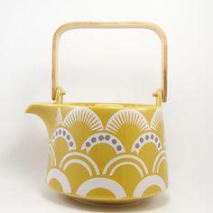 Amber tea pot