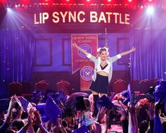 Kate Upton lived her best life onLip Sync BattleThursday night.  During her appearance on the show, the model went all out while lip-syncing to Britney Spears' …Baby One More Time.And when we say all out, we mean all out. We're talking the whole costume from that music... http://usa.swengen.com/kate-upton-rocks-performance-of-britney-spears-baby-one-more-time/