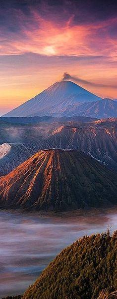 Mount Bromo in Indonesia /// #travel #wanderlust