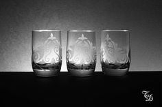 Set of 3 Shot Glass Hand Engraved di TreDesium su Etsy