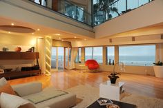 Beach house living room in Marina Del Rey, CA [4256 x 2832] - Interior Design Ideas, Interior Decor and Designs, Home Design Inspiration, Room Design Ideas, Interior Decorating, Furniture And Accessories
