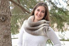 Free Crochet Pattern - Aveline Reversible Crochet Scarf by A Crocheted Simplicity, wrap, #haken, gratis patroon (Engels), omslagdoek staart door lussen soort pfeilraube, #haakpatroon