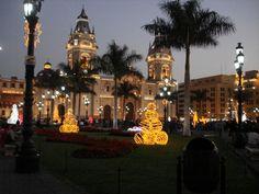 Christmas in Lima, Peru ;  Google Image Result for http://mw2.google.com/mw-panoramio/photos/medium/6407897.jpg