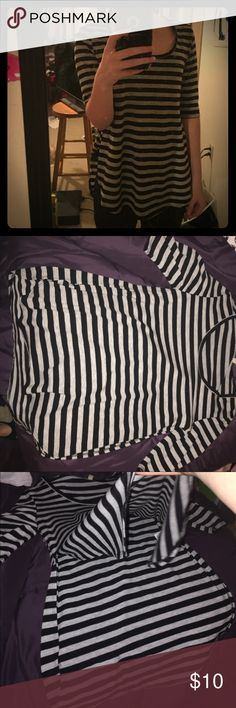 gray and black shirt Striped heather gray and black shirt, sleeves go to elbows, slits going half way up on both sides, size small in women's, comfy thin material, great condition, I rarely wore it Tops