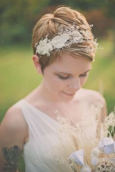 16 Romantic Wedding Hairstyles for Short Hair bride-with-pixie-haircut-floral-headpiece Pixie Haircut Styles, Pixie Hairstyles, Bride Hairstyles, Short Hair Styles, Short Haircuts, Hairstyle Short, Hairstyle Ideas, Medium Hairstyles, Hairstyles Haircuts