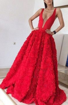 Red Deep V-neck Sleeveless Sweep Train Appliques A-line Prom Dress