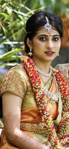 Blouse Styles, Blouse Designs, Garlands, Hairstyle Ideas, Brides, Sari, India, Jewellery, Traditional