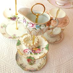 Alice Feels Bright 3 Tier Floral Jewelry Stand Vintage China Plate Display Mini Tea Tray for Cupcakes Cookies Candy & Bright Pink u0026 Gold 3-Tier Cupcake Stand Vintage China Plates with ...
