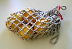 Reusable, cotton crochet produce bag for shopping. Great alternative to plastic bags. Free pattern and tutorial with lots of photos.