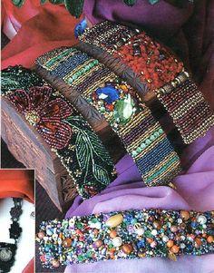 PiXS.ru / загрузить картинку для форума / фото альбомы / обмен файлами Bead Embroidered Bracelet, Embroidered Bird, Embroidery Bracelets, Bead Loom Bracelets, Bead Embroidery Jewelry, Beaded Bracelet Patterns, Beaded Embroidery, Bead Embroidery Patterns, Seed Bead Patterns
