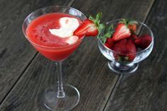Strawberry Cake Flavoured Martini - Party supplies, party decorations, party products, wedding supplies, party decorations