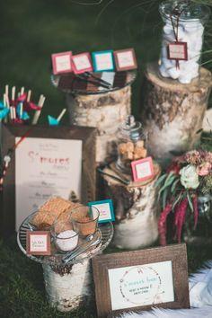 Hochzeitsinspiration: Moderne Pocahontas-Liebe HANNAH L THEOBALD   LEBENDIGE FOTOGRAFIE http://www.hochzeitswahn.de/inspirationsideen/hochzeitsinspiration-moderne-pocahontas-liebe/ #wedding #inspo #boho