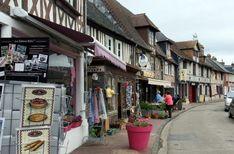 Vakwerkhuizen in het dorp Beuvron-en-Auge in Normandië Frankrijk Region Normandie, Beaux Villages, Mont Saint Michel, France, Normandy, Calvados, Camping, Parks, Destinations