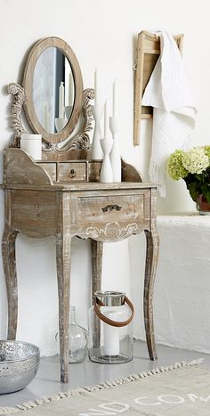 Wood dressing table in light brown and white wash finish