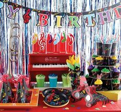 Lots of cool ideas for a Music Themed Birthday Party