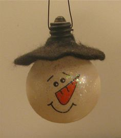 light bulb snowman with felt hat - simple