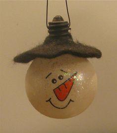 light bulb snowman with felt hat - simple