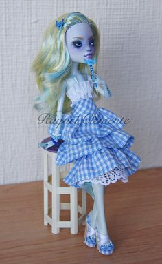 *LILO* OOAK repaint custom Monster high doll Lagoona Mattel by Raquel Clemente | I like the dress and shoes