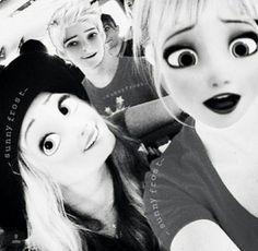 Imagem de disney, rapunzel, and elsa
