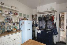 AGA 2 Oven in Dark Blue in a vintage kitchen Interior Design Inspiration, Kitchen Inspiration, Interior Ideas, Kitchen Ideas, Aga Kitchen, Aga Cooker, 1950s House, Home On The Range, Kitchen Stories