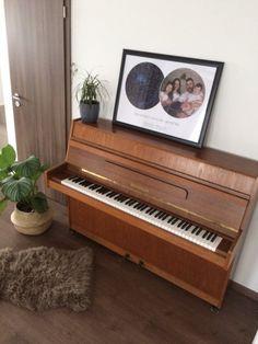 Hiteles csillagtérképpel különleges hangulatot teremthetsz otthonodban | lakásművészet Piano, Music Instruments, Musical Instruments, Pianos