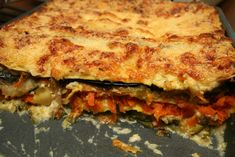 This lasagna is made with three cheeses and layered with eggplant as the noodles creating a healthy alternative. Healthy Pastas, Healthy Fruits, Healthy Eating, Healthy Recipes, Healthy Foods, Eggplant Lasagna, Zucchini Lasagna, No Carb Pasta, Pasta Casera