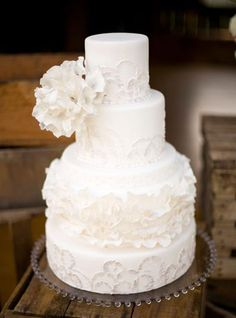 super cute wedding cake.  lefrufru blog.