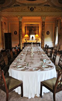 Basildon Park - National Trust Dining Rooms, Dining Table, English Manor, Beautiful Castles, National Trust, Beautiful Interiors, Palaces, Tiny Homes, Tablescapes