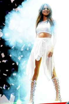 WHO IS READY TO PARTY!?!?! *says into the mic* -selena