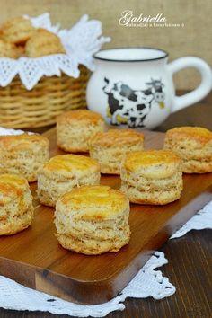 Gabriella kalandjai a konyhában :) Hungarian Cuisine, Hungarian Recipes, My Recipes, Dessert Recipes, Hungarian Cake, Hungarian Food, Savory Pastry, Salty Snacks, Recipes From Heaven